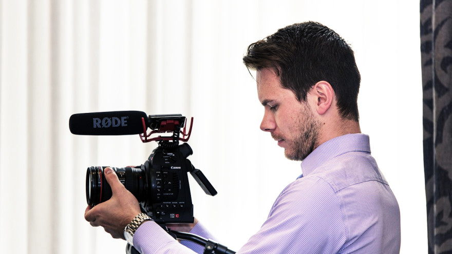 Nagłośnienie w filmowaniu lustrzanką