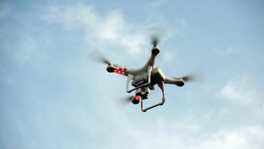 jak zacząć filmować dronem