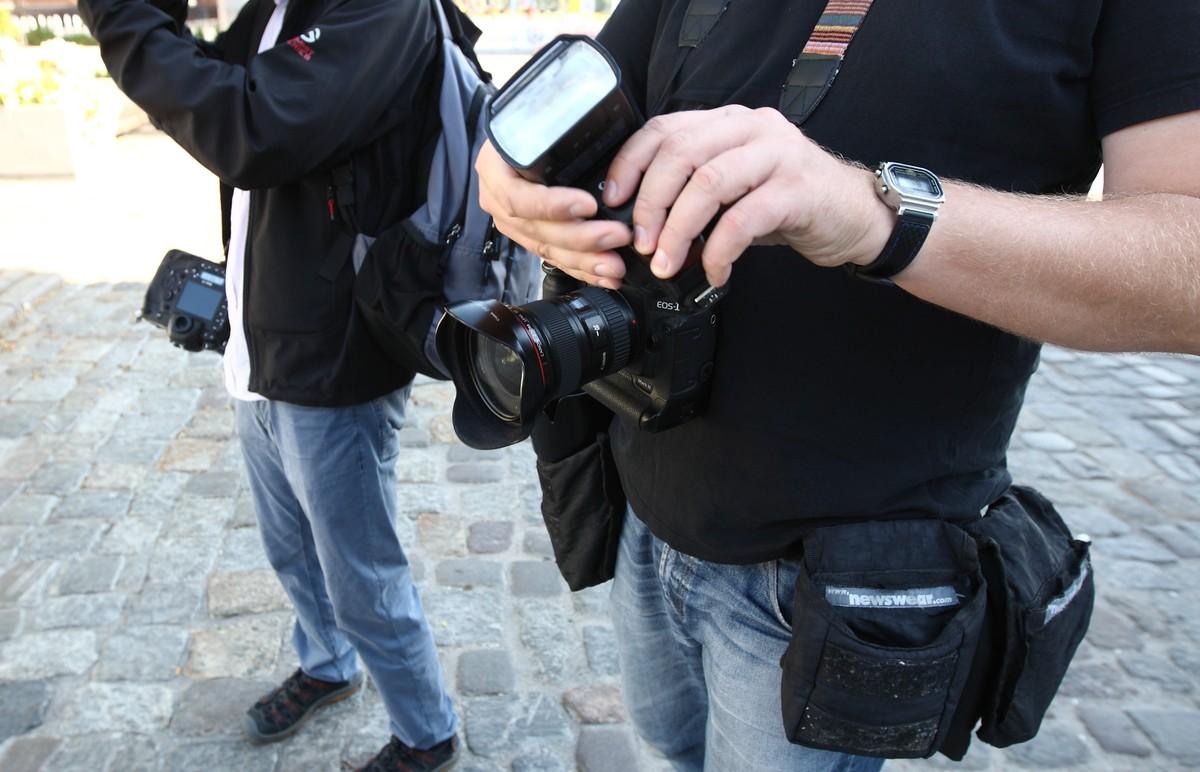 n/z fotoreporterzy podczas relacjonowania obchodów rocznicy Porozumień Sierpniowych w Gdańsku. fot. Michal Fludra