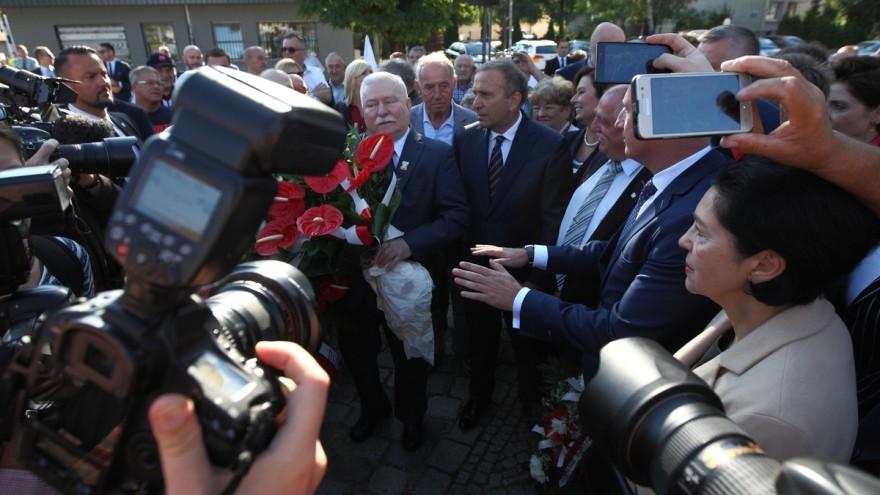 n/z Gdańscy fotoreporterzy podczas relacjonowania rocznicy obchodów Porozumień Sierpniowych w Gdańsku  fot. Michal Fludra