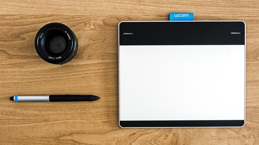 Tablet graficzny w cyfrowej ciemni