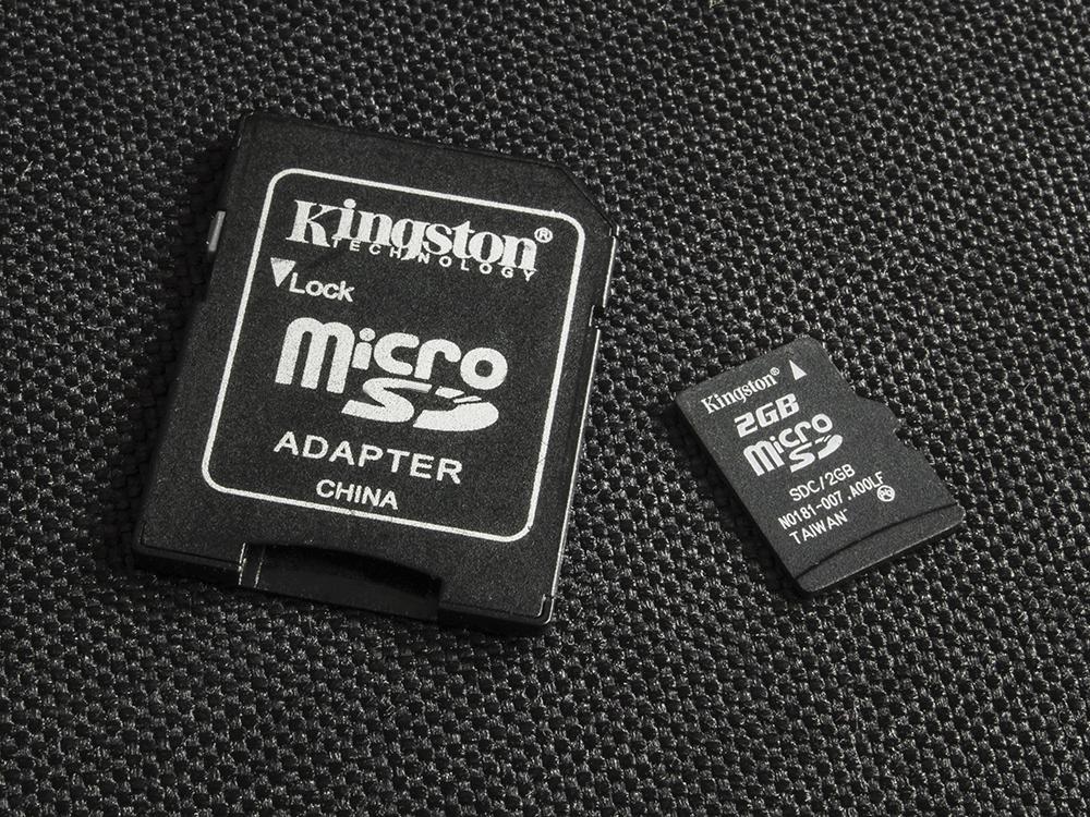 Aby móc przenosić pliki z kart microSD, czasami jest niezbędny odpowiedni adapter.