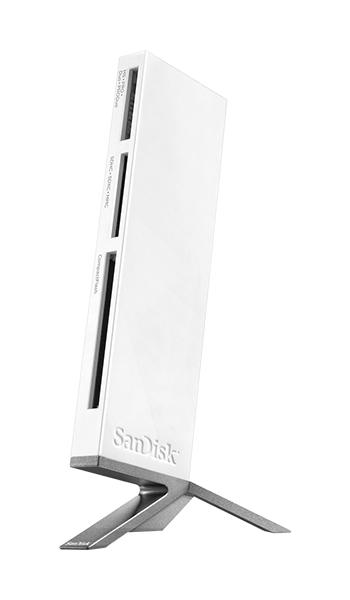 Czytnik kart pamięci Sandisk ImageMate All-in-One USB 3.0 umożliwia korzystanie z wielu formatów kart, a dodatkowo posiada podstawkę, która zwiększa komfort użytkowania.