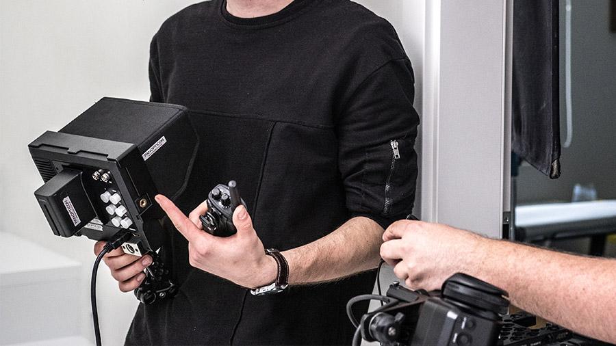 Małe monitory podglądowe są świetne z racji ich mobilności. Przytwierdzone do magic-arma mogą być zabrane wszędzie.