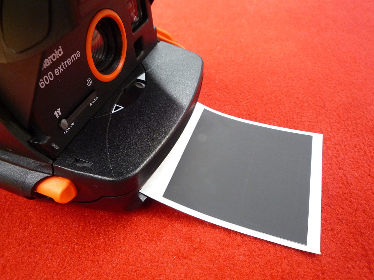 polaroid fujifilm instax