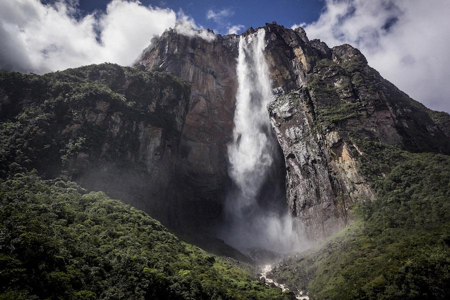 Zestaw do profesjonalnej fotografii - Salto Angel - najwyższy wodospad na świecie, Wenezuela 2014. SONY NEX7 + 16/2.8.