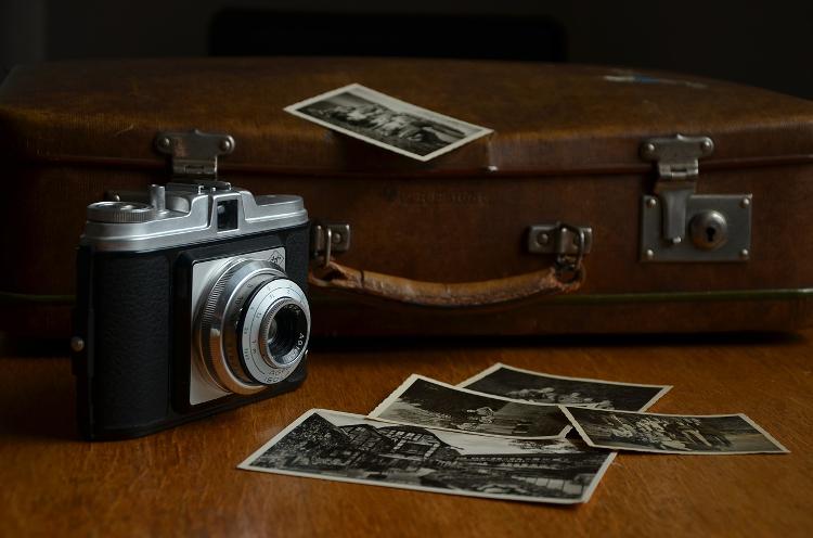 Spróbuj w nowym roku swoich sił w rejestrowaniu obrazu na filmie. W ofercie Cyfrowe.pl znajdziesz materiały światłoczułe, papiery oraz elementy wyposażenia ciemni.