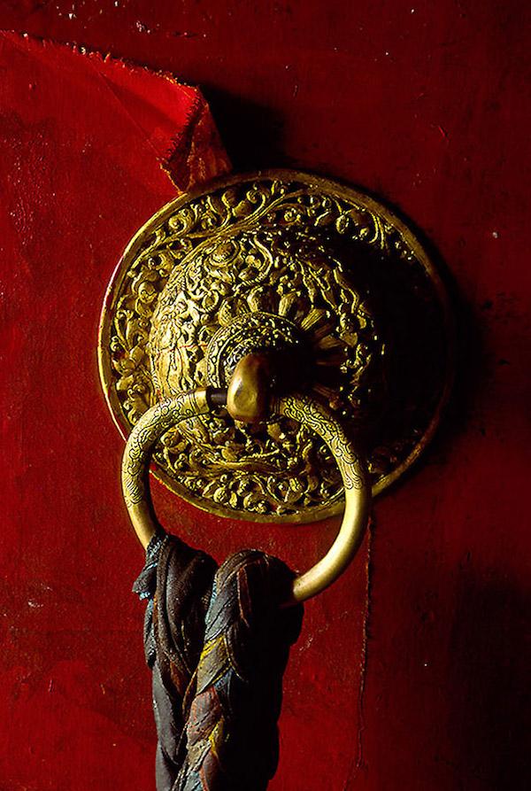 Zestaw do profesjonalnej fotografii - Plastyka, oddanie detali, obraz obiektywu 50mm urzekały mnie od pierwszych rolek filmu… Tybet rok 1994.