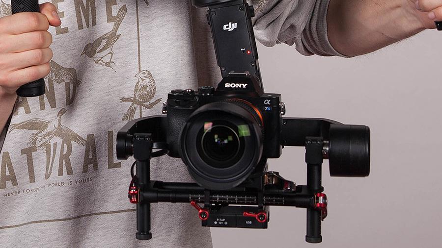 Bezlusterkowce Sony stały się nowym wyborem całej rzeszy filmowców na YouTube. Lekka konstrukcja i wspaniała jakość obrazu w przystępnej cenie sprawia że to optymalny wybór na początek!