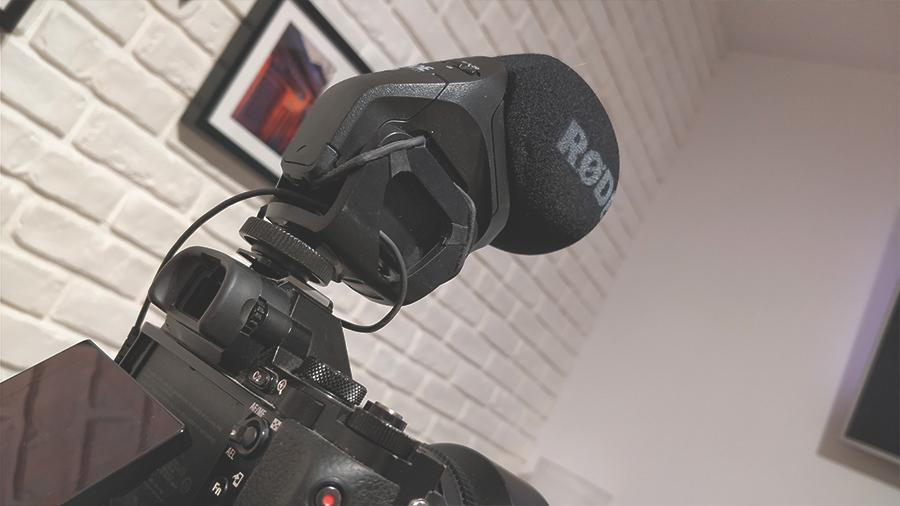 Rode VideoMic Pro Stereo zapewnia solidne doznania audio w przystępnej cenie. Zdecydowany must-have każdego YouTubera!