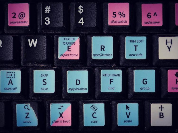 Adobe Premiere - Skróty klawiszowe