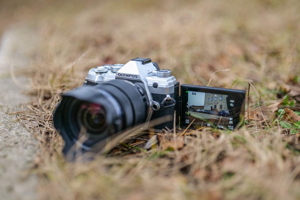 Olympus OM-D E-M5 Mark III - jaki aparat do vlogowania