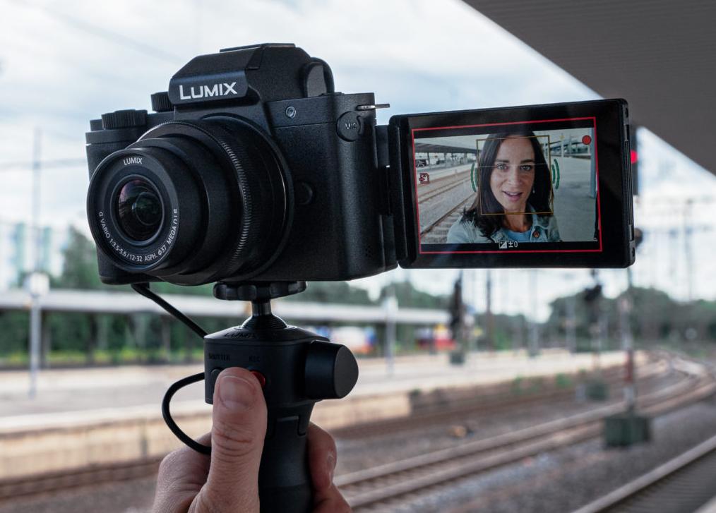 Panasonic Lumix G100 to jeden z najlepszych aparatów do vlogowania