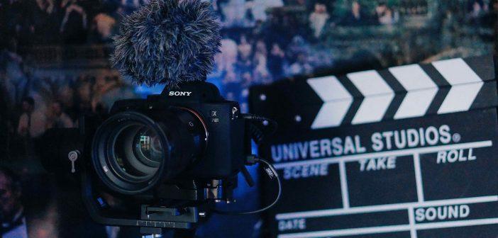 Jaki aparat kupić do filmowania – wnikliwy poradnik