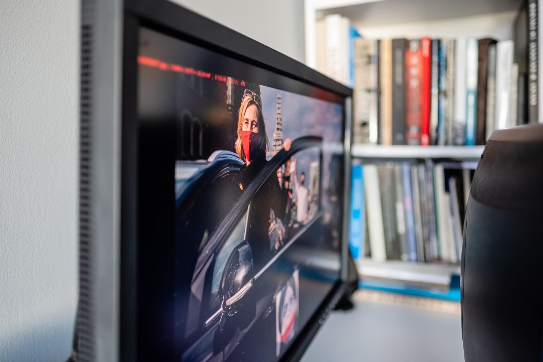 Monitor graficzny pod kątem. Fot. Jarosław Respondek