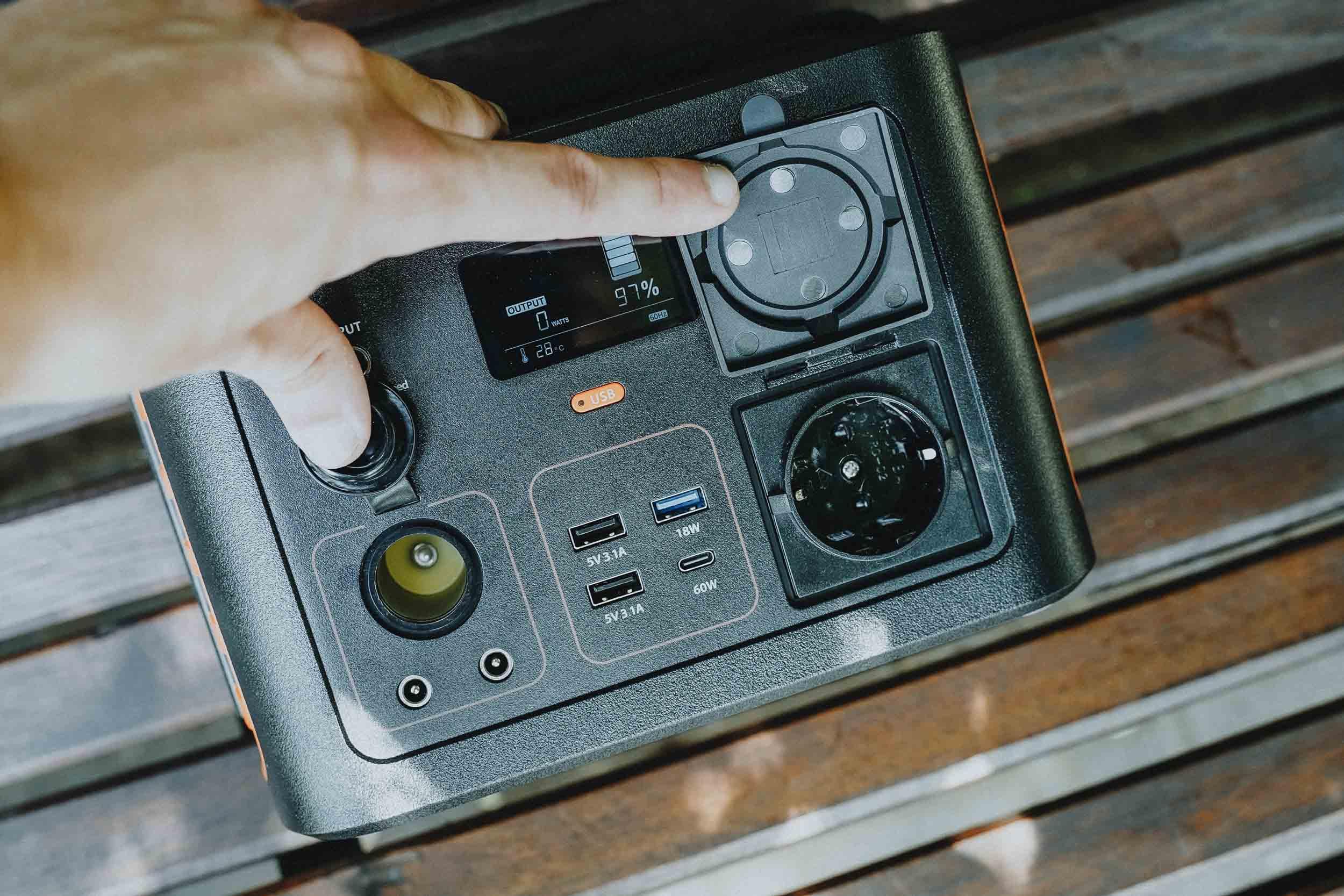 Xtorm Power Station 300W